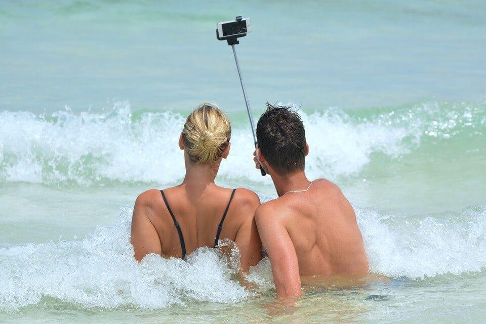 Smartphone nat worden op vakantie