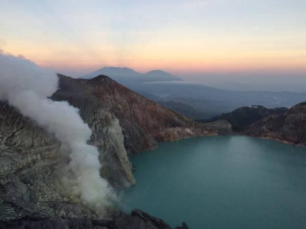 blue fire krater indonesie