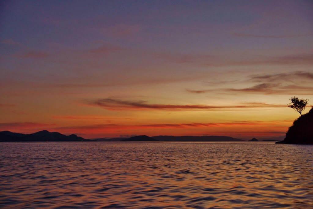 zonsondergang komodo national park