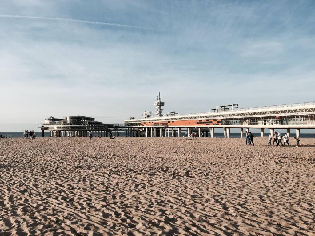 De beste stranden en strandtenten van nederland for Beste strandtent scheveningen