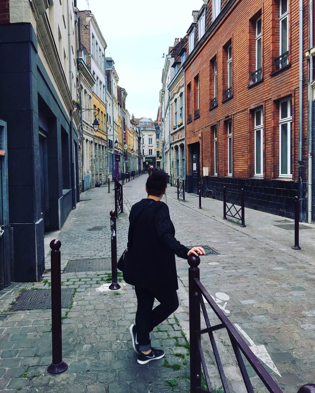 ikzelf in één van de straatjes in Lille