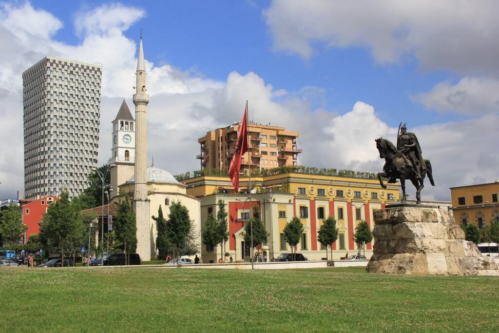tirana albanie hoofdstad reistips