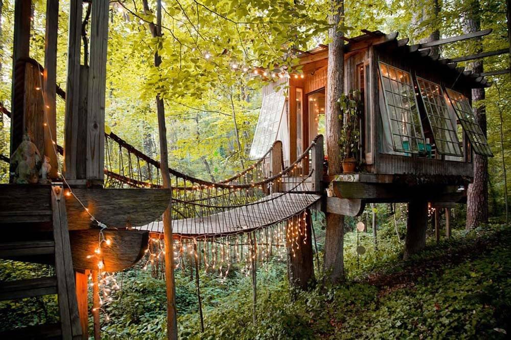 Via: Airbnb