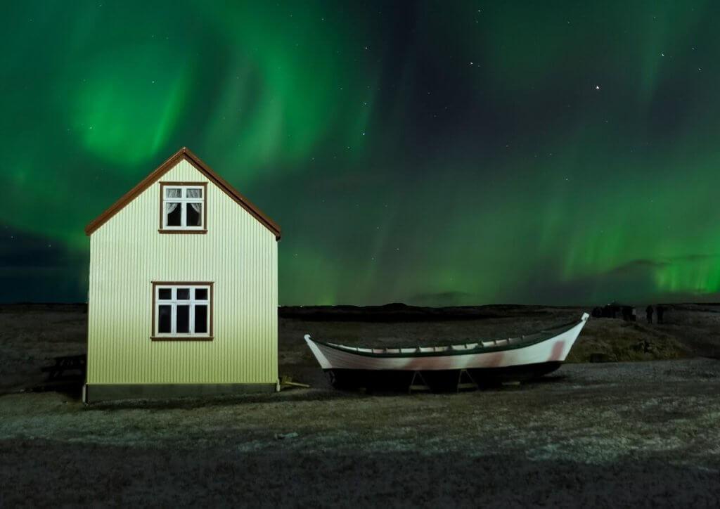 aurora-borealis-ijsland