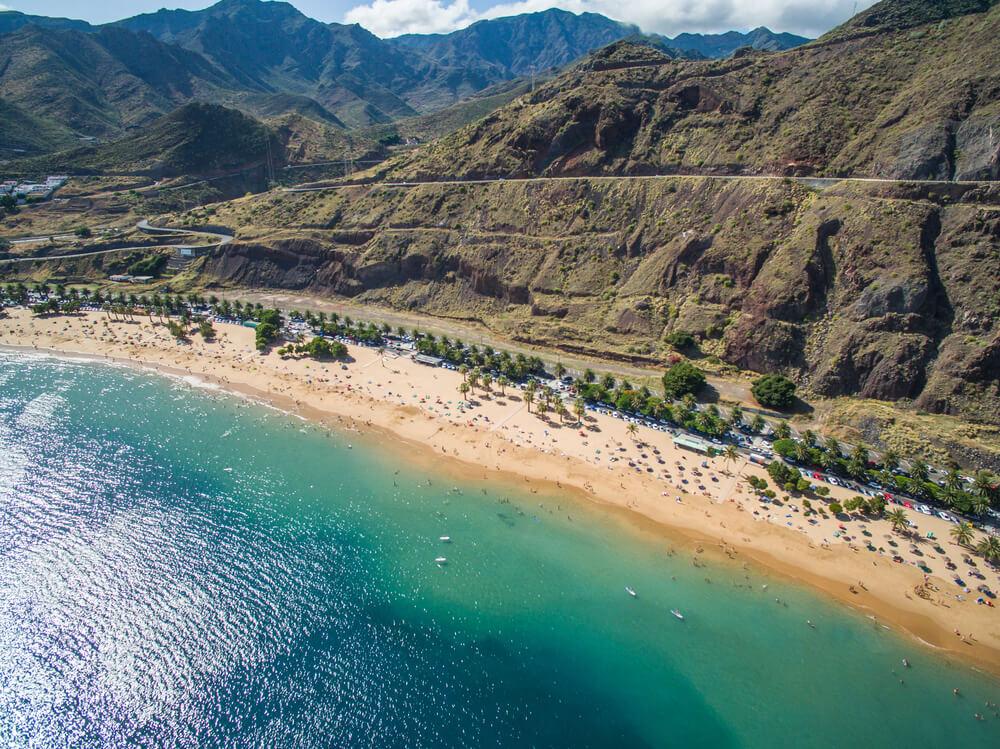 Playa de Las Teresitas, een bekend strand in de buurt van Santa Cruz de Tenerife