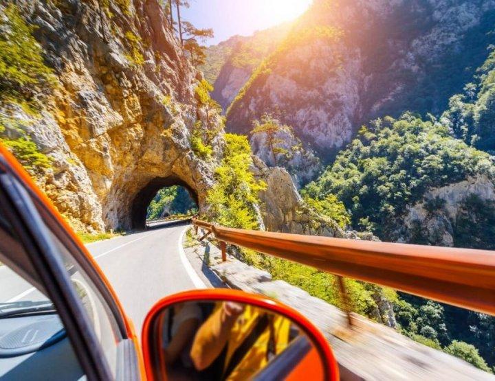 Checklist voor het maken van een wereldreis de auto