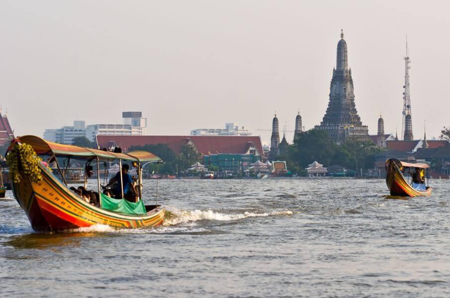 Op pad met gids Pok - Wat Arun vanaf het water