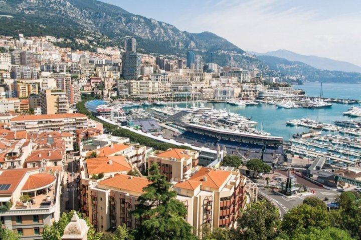 Luxe vakantiehuizen huren met vrienden is goedkoper dan je denkt!