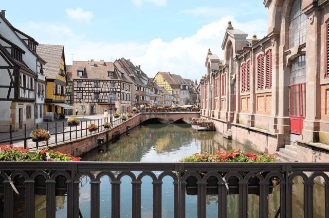 frankrijk-colmar-kleurrijke-huizen-novasol
