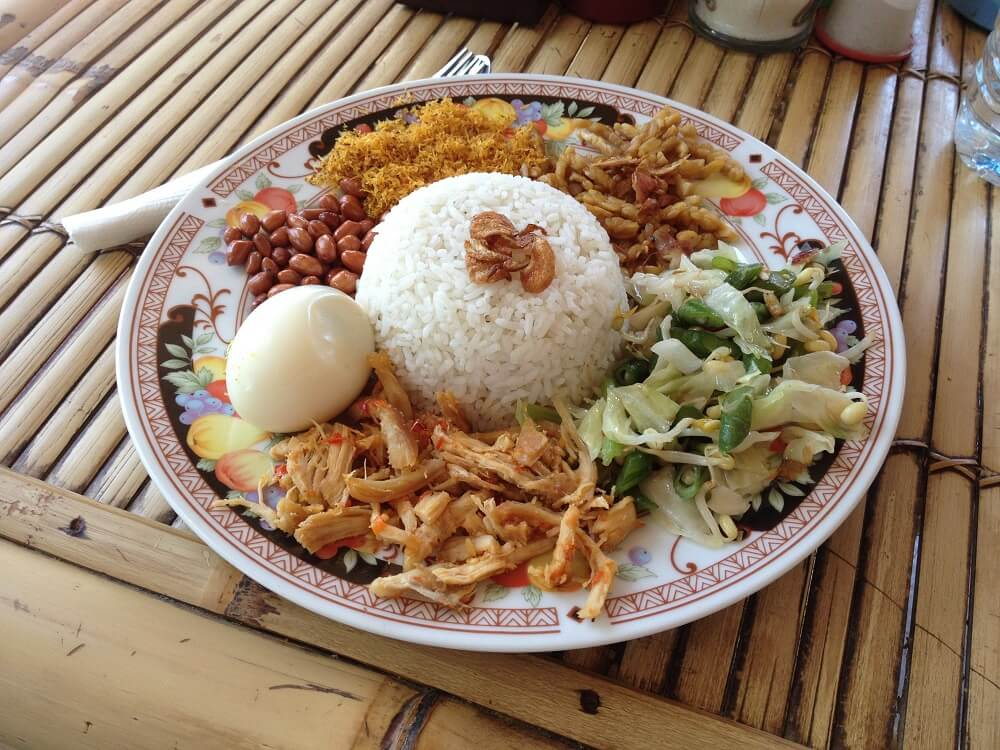 eten in ubud bali indonesie