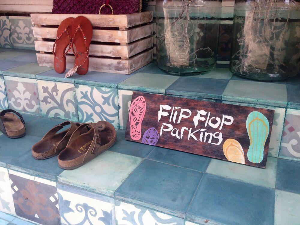 flip flops parking ubud bali
