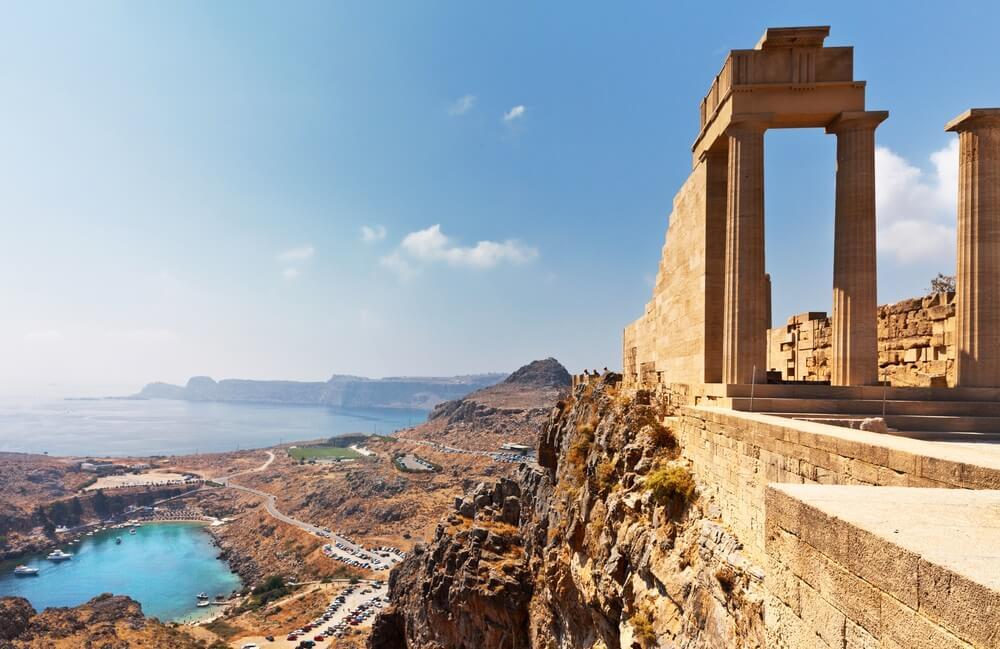 de acropolis van lindos in rhodos