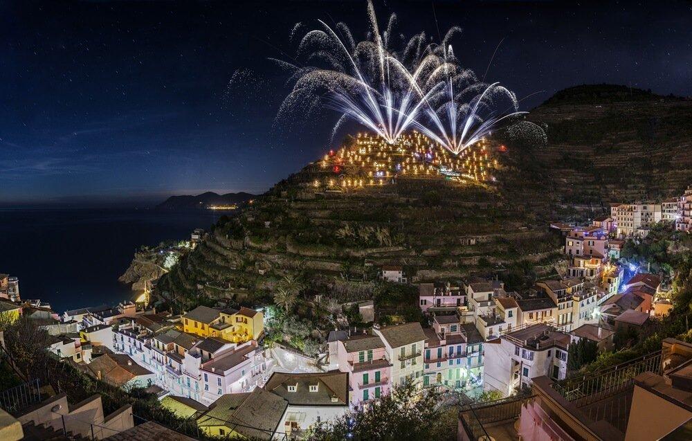 grootste kerststal ter wereld in manarola italie