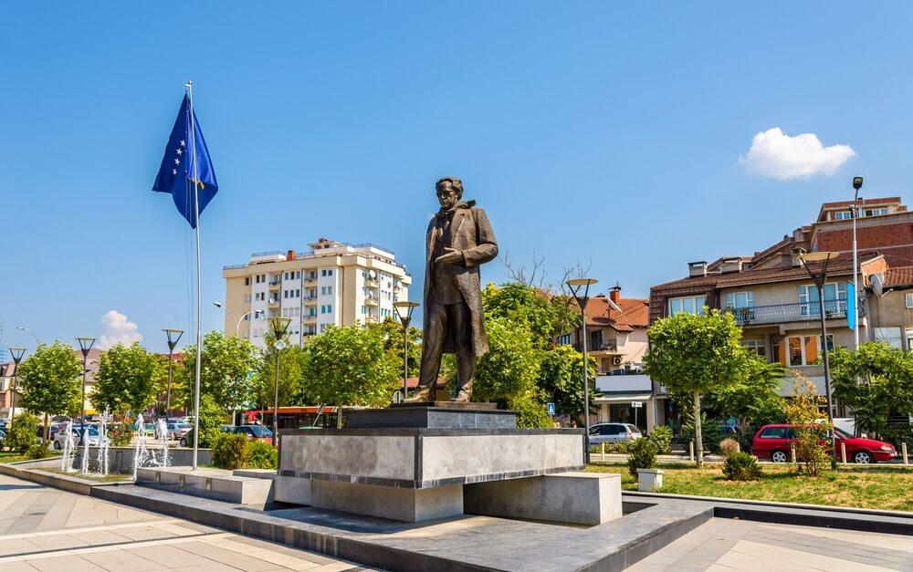 Bezoek het interessante Pristina