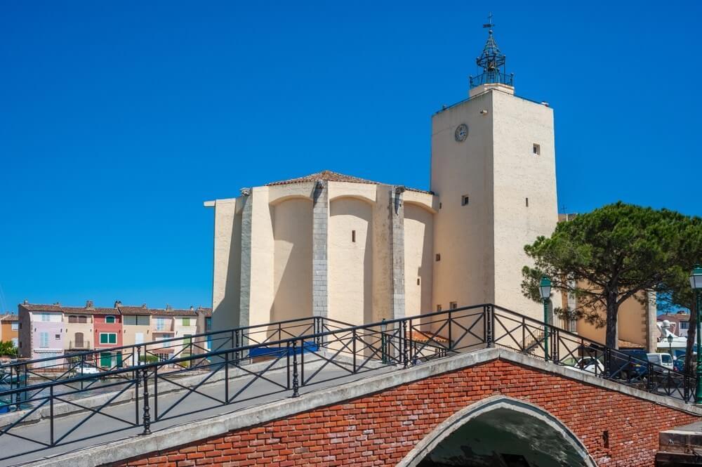 port grimaud kerk