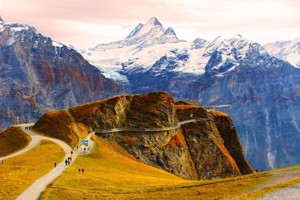 Bergwandelaars in het prachtige Grinderwald, Zwitserland