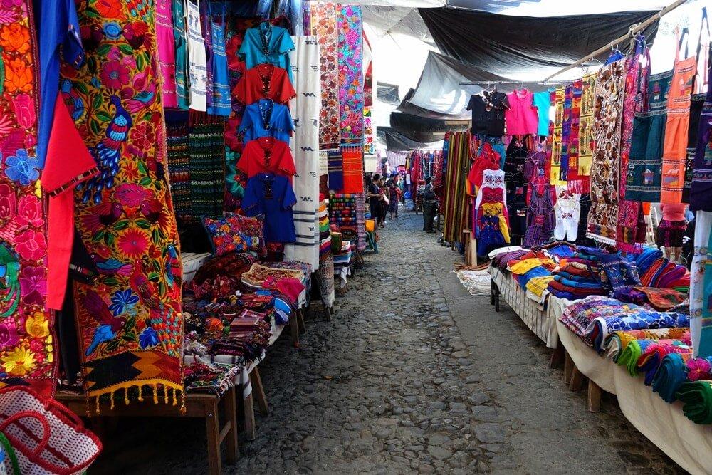 steegjes Chichicastenango markt
