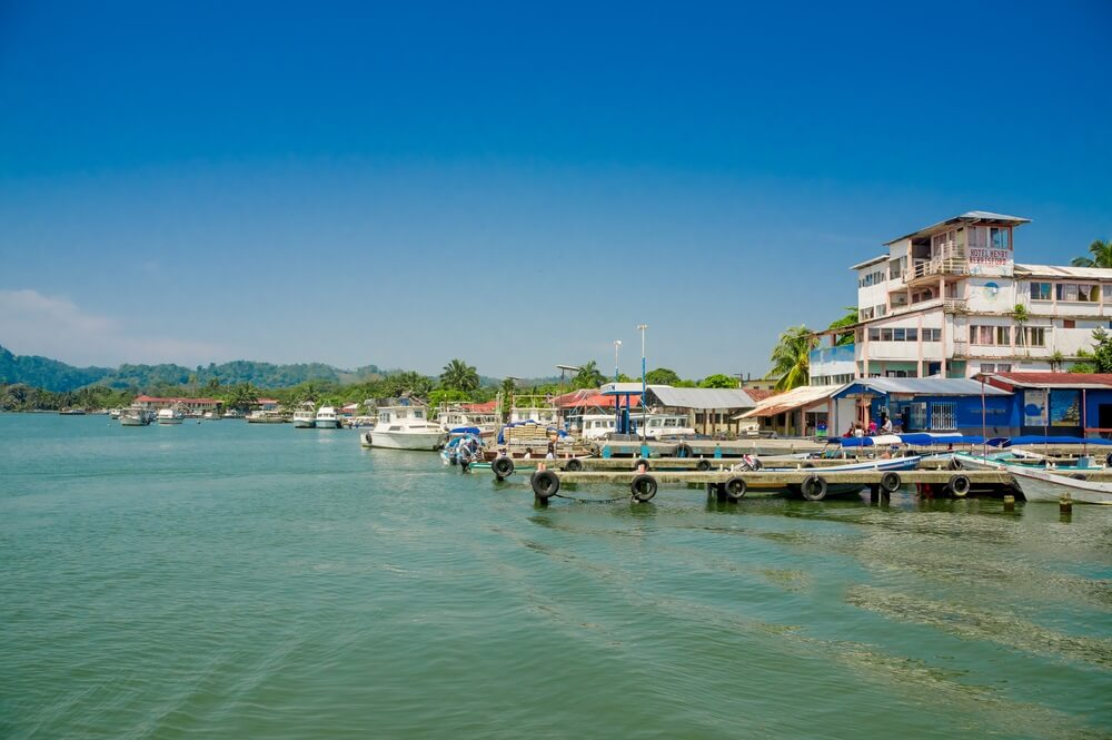 De haven van Livingston, Guatemala