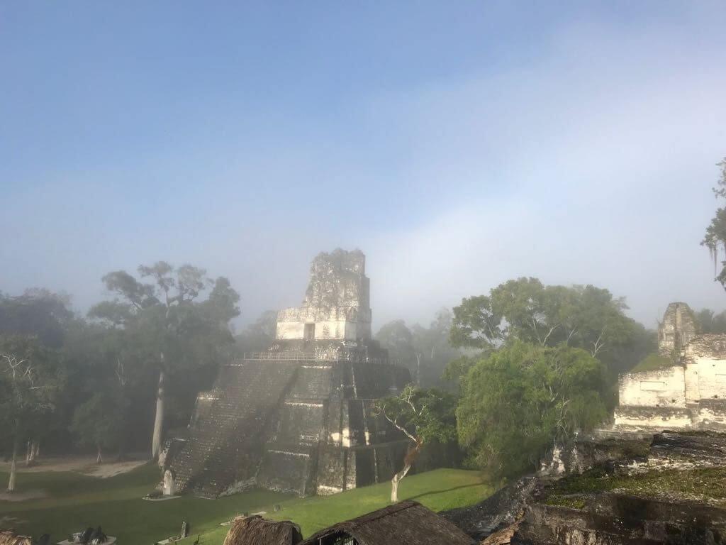 Het centrale plein van Tikal