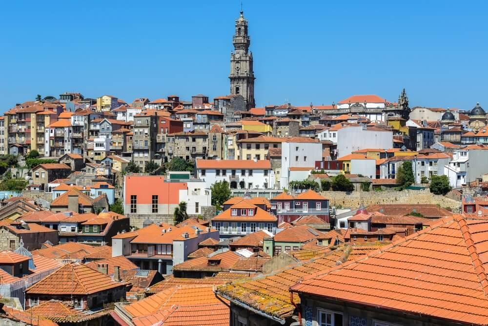 Oude huisjes in de wijk Boavista, Porto