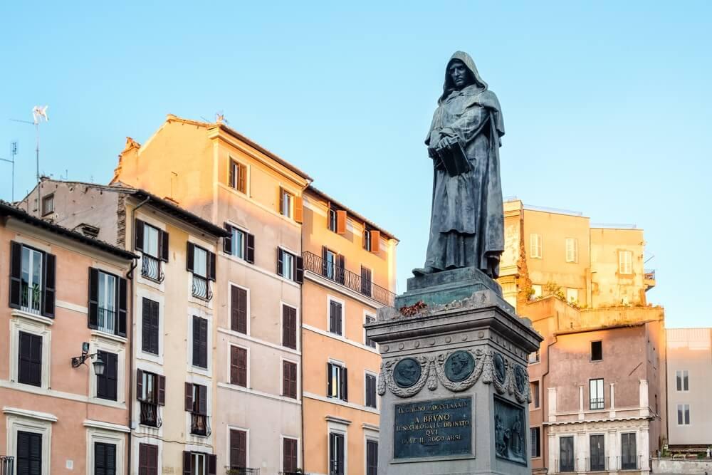 Standbeeld op het plein Campo di Fiori, Rome