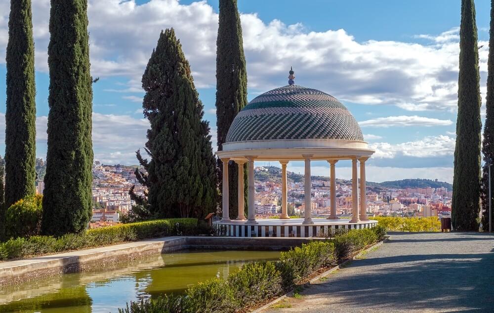 De stad Concepcíon vanuit het beroemde stadspark op een heuvel