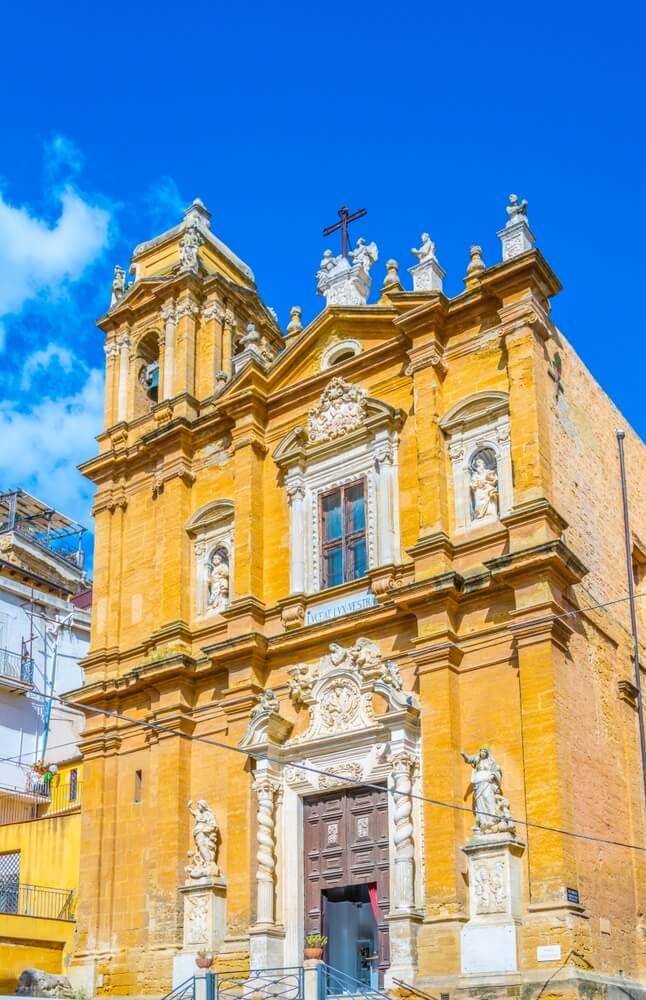 D e prachtige kathedraal van San Gerlando in het oude centrum van Agrigento, Sicilië