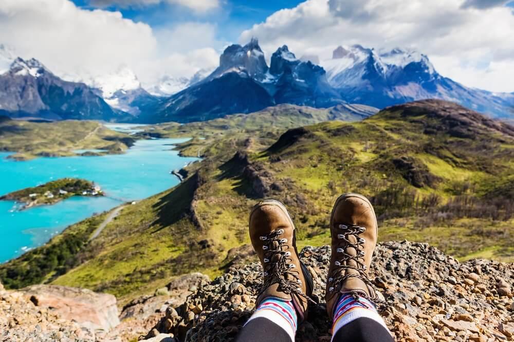 Uitzicht op de Cuernos oin Torres del Paine na de popuaire hike Cuernos Lookout