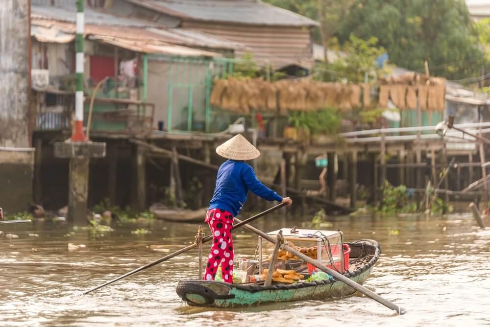 Vissersbootje op de Mekong Delta in Vietnam