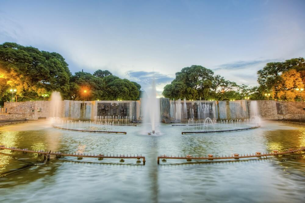 De fontein op het centrale plein in Mendoza: Plaza Indenpendencia