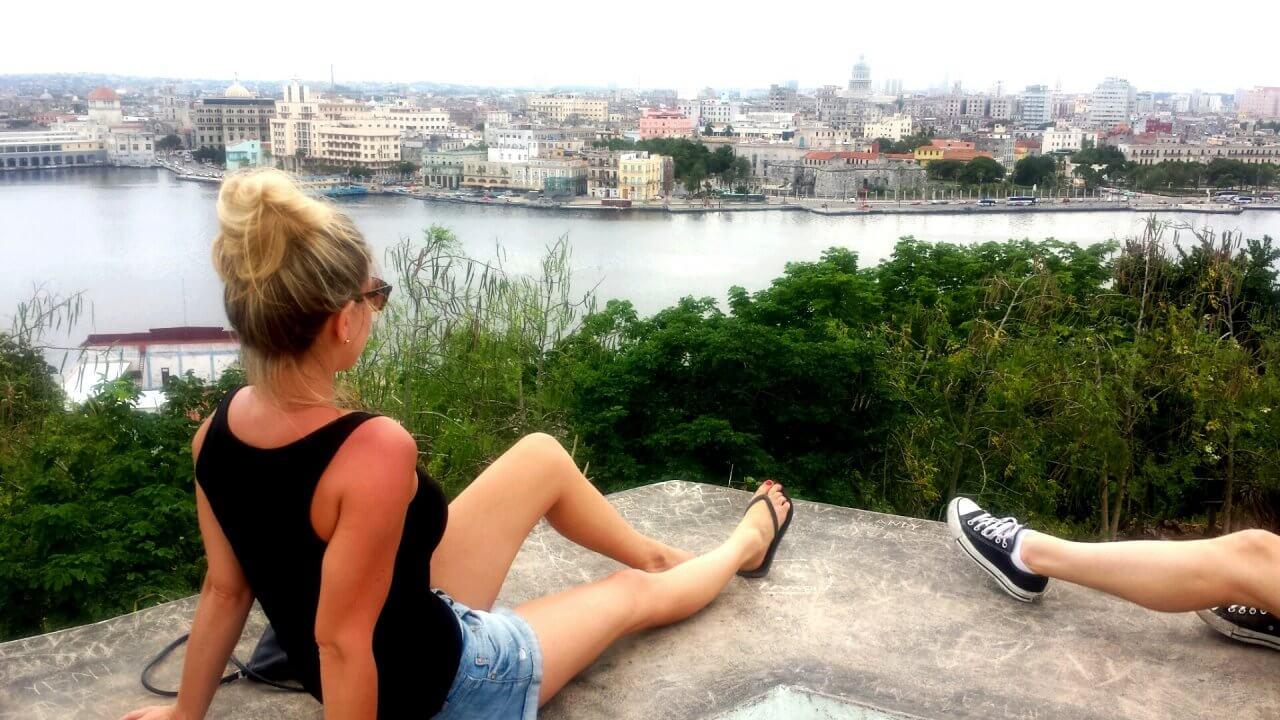 Uitzicht over Havana vanaf een heuvel in de wijk Regla