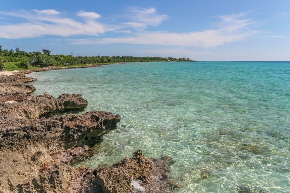 He heldere water van Bahia de Cochinos, Cuba