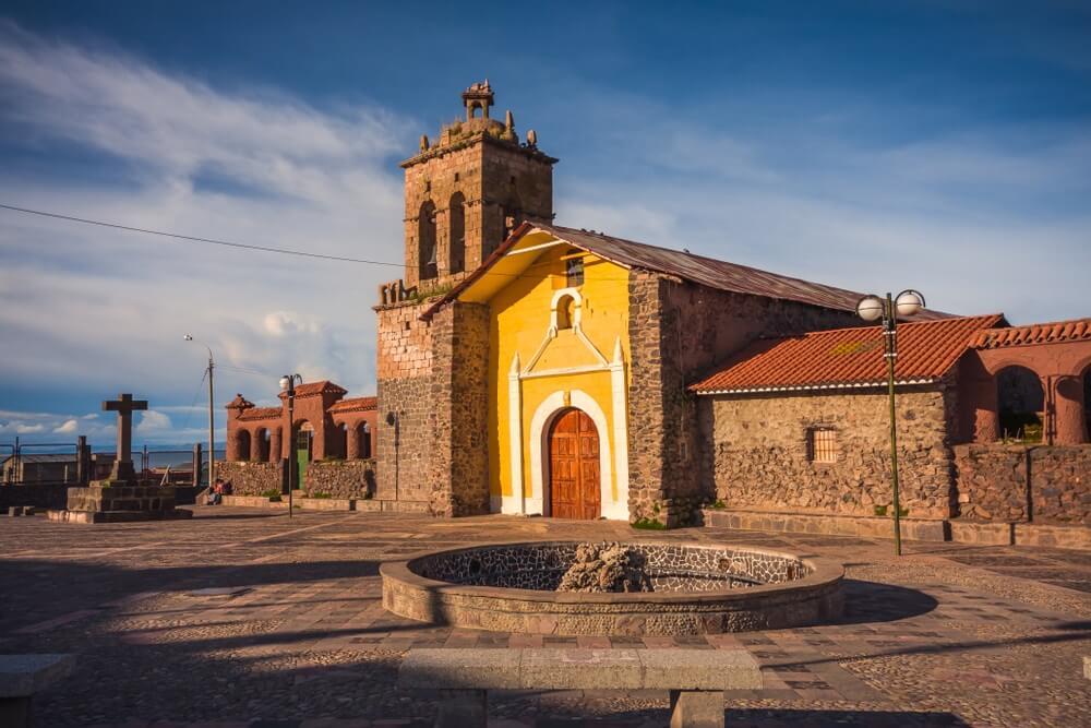Kerk van Santo Domingo, district van Chucuito in Puno, Peru