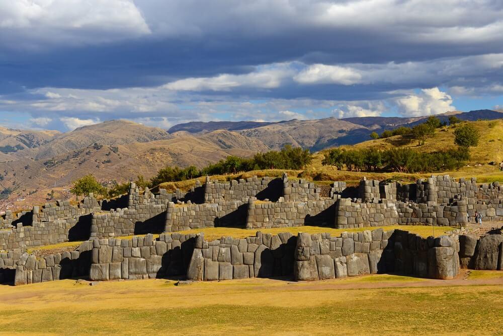 De inca archeologische site van Sacsayhuaman in Cusco, Peru.