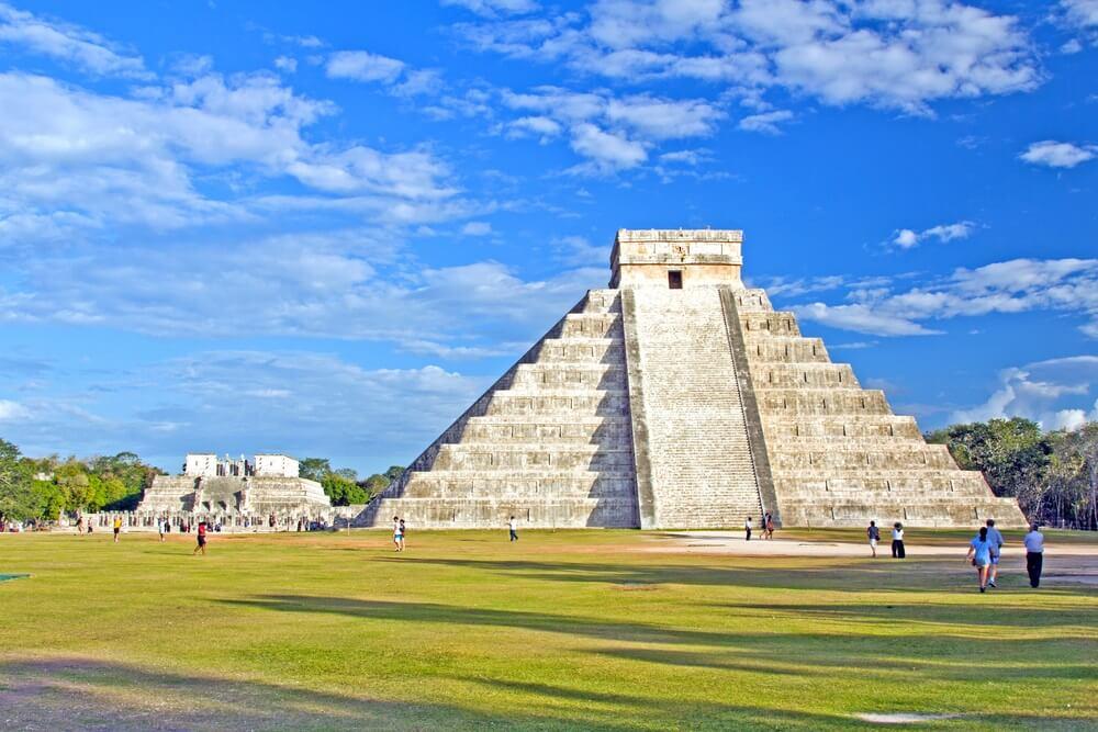 Maya-piramide van Kukulcan El Castillo in Chichen Itza, Mexico.