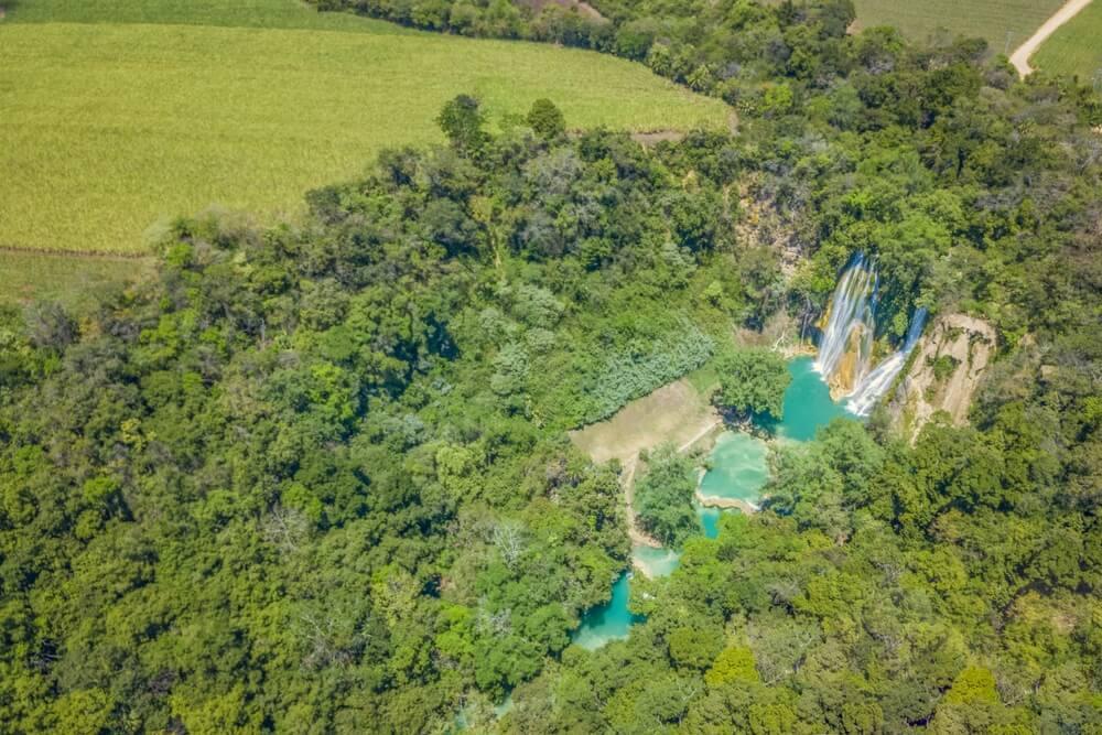 Minas Viejas-watervallen in Huasteca Potosina in San Luis Potosi, Mexico.