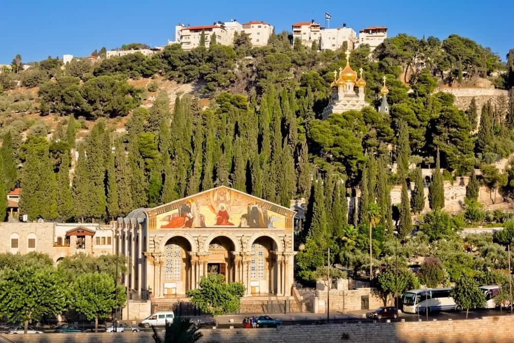 Gethsemane en de Kerk van alle Naties op de Olijfberg in Jeruzalem.