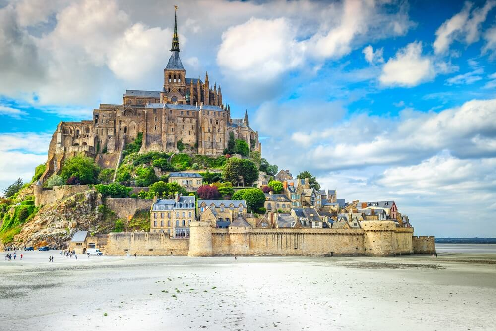 Mooie kathedraal van Mont Saint Michel op het eiland, Normandië, Noord-Frankrijk, Europa.