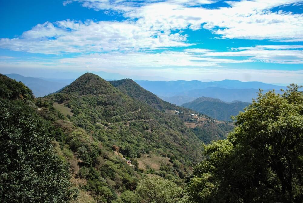 Panoramisch zicht op Sierra Gorda in Queretaro, Mexico.