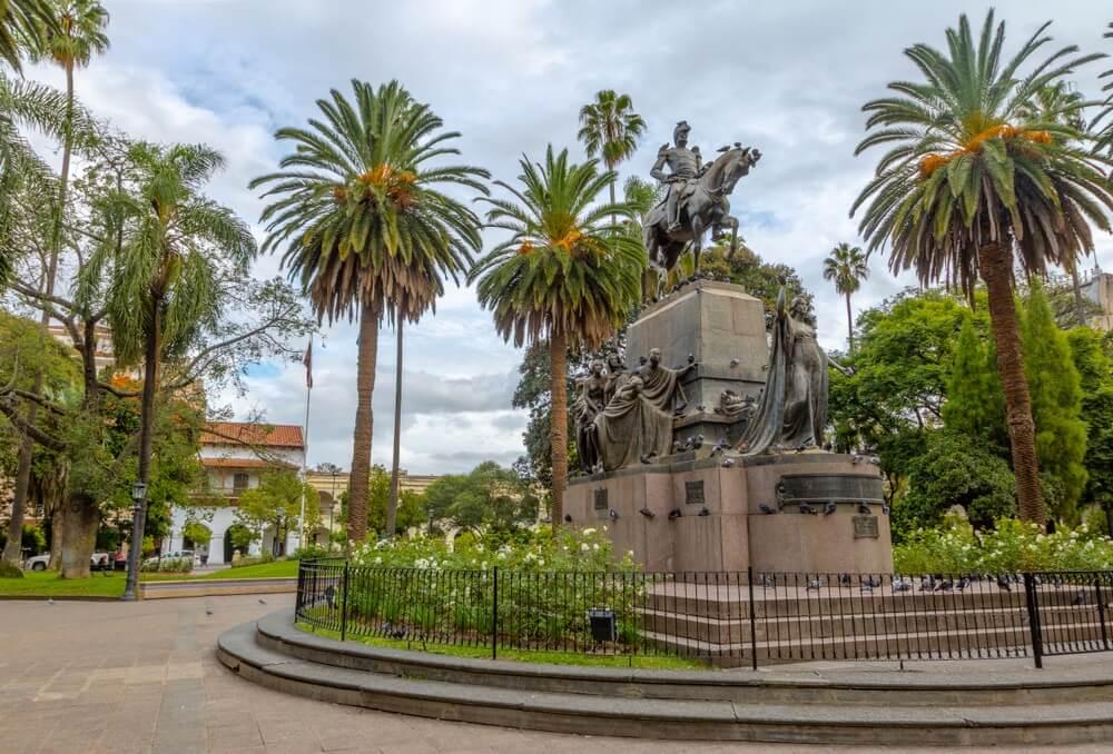Plaza 9 de Julio plein, Salta, Argentinië.