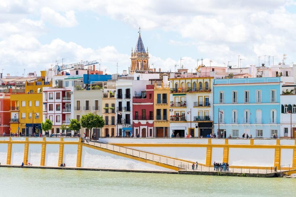 uitzicht op de wijk Triana in Sevilla, Spanje.