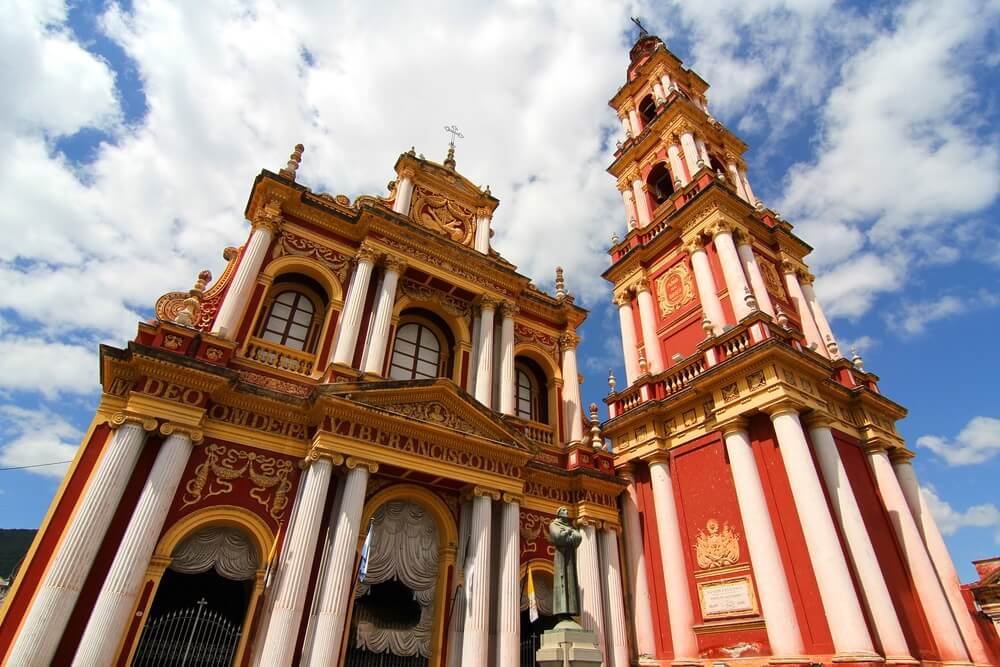 De Sint-Franciscuskerk in de stad Salta, Salta, Argentinië.