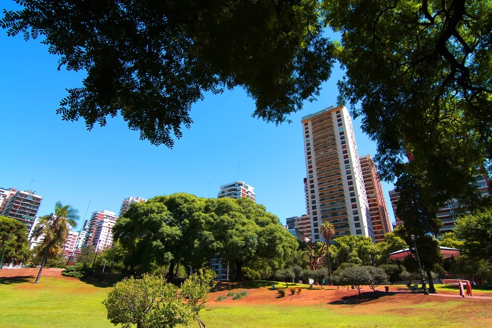 Groene stadspark in de wijk Belgrano; Barrancas de Belgrano.