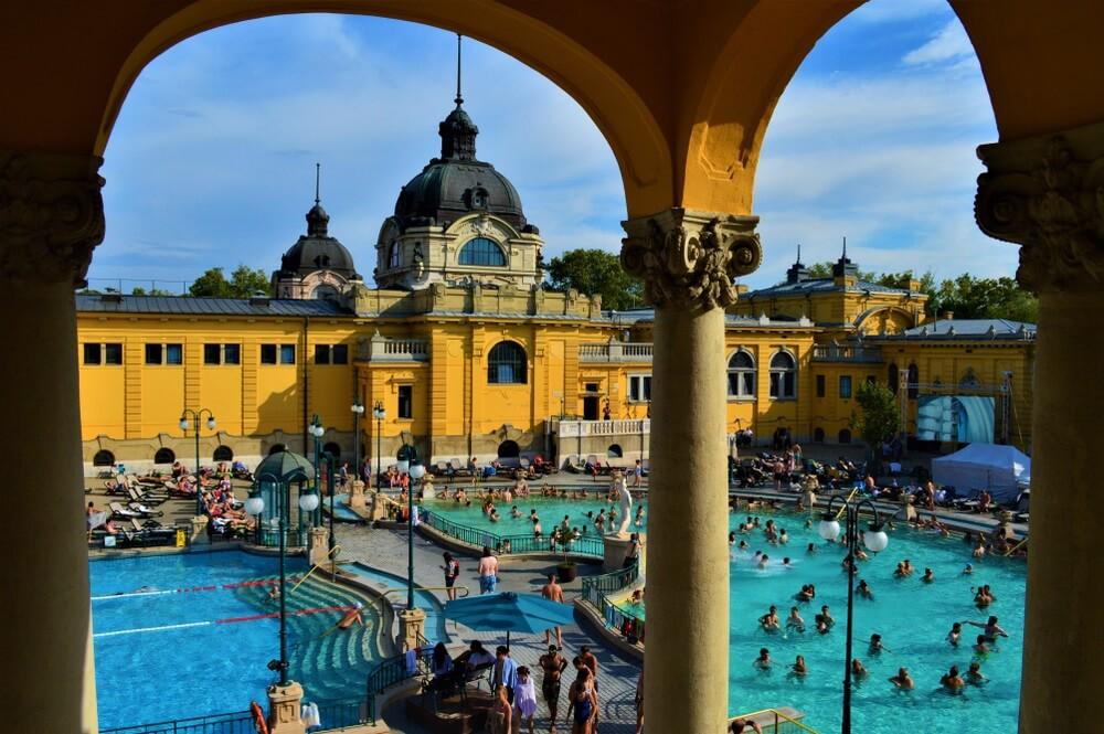 Szechenyi baths, Boedapest, Hongarije.