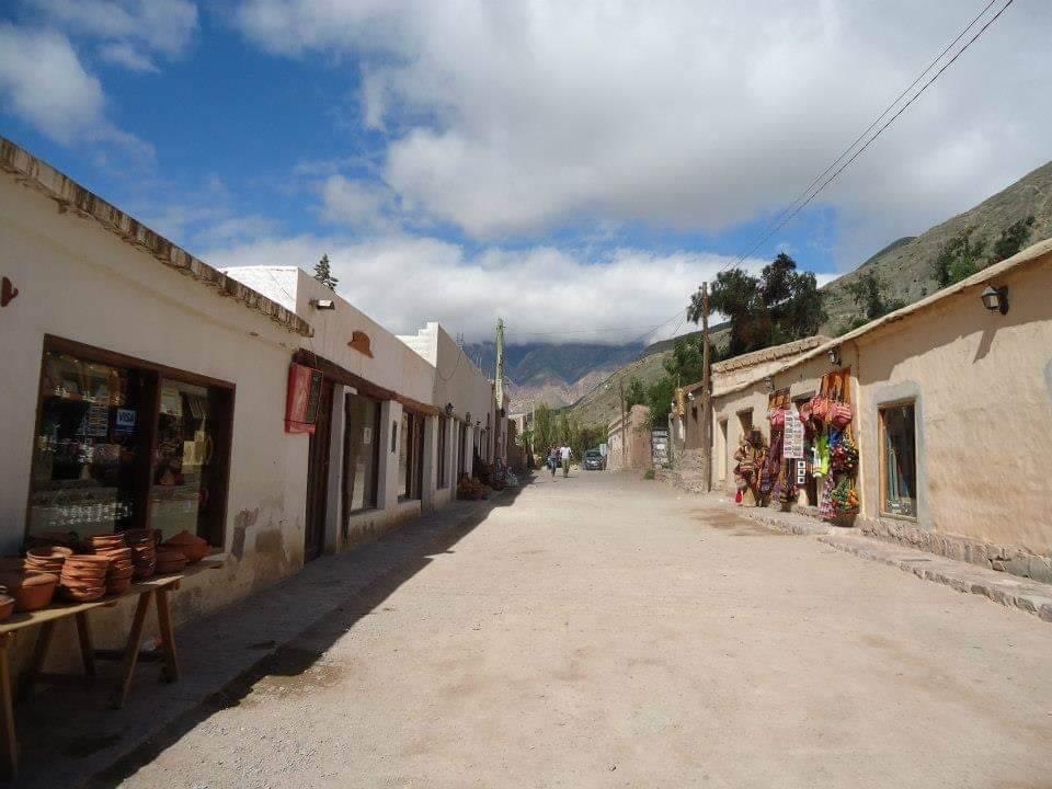 Het centrum van Purmamarca, Agrentinië.