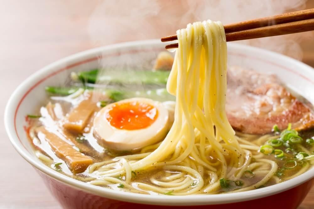 Dampende Japanse Ramen noodles.