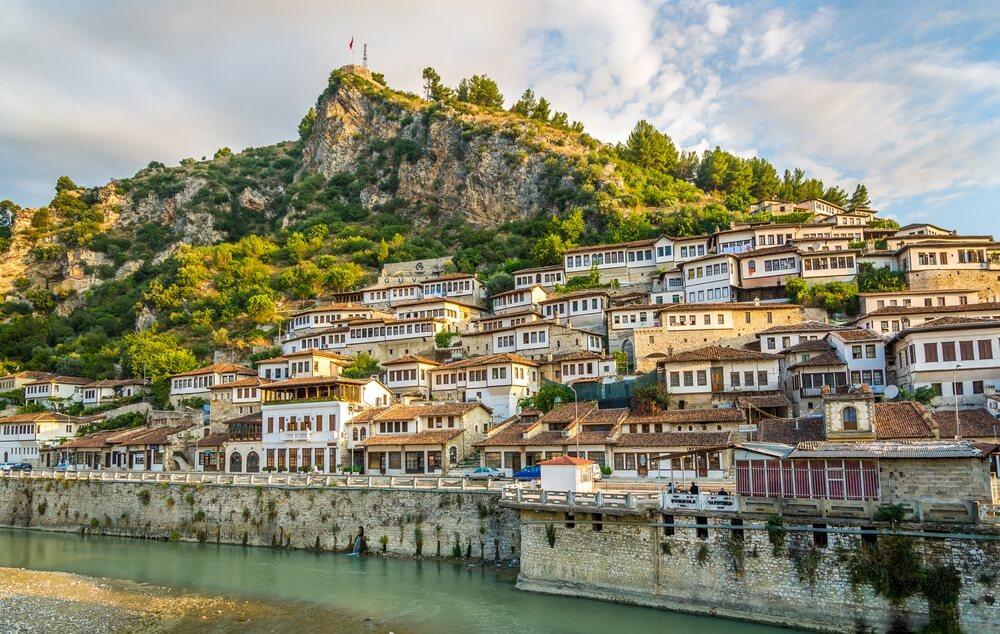 Uitzicht op de oude stad van Berat - Albanië.