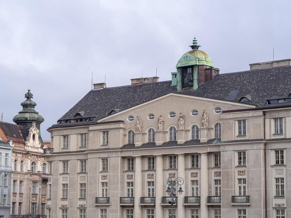 Uitzicht op het Hotel Grandezza in het centrum van Brno..