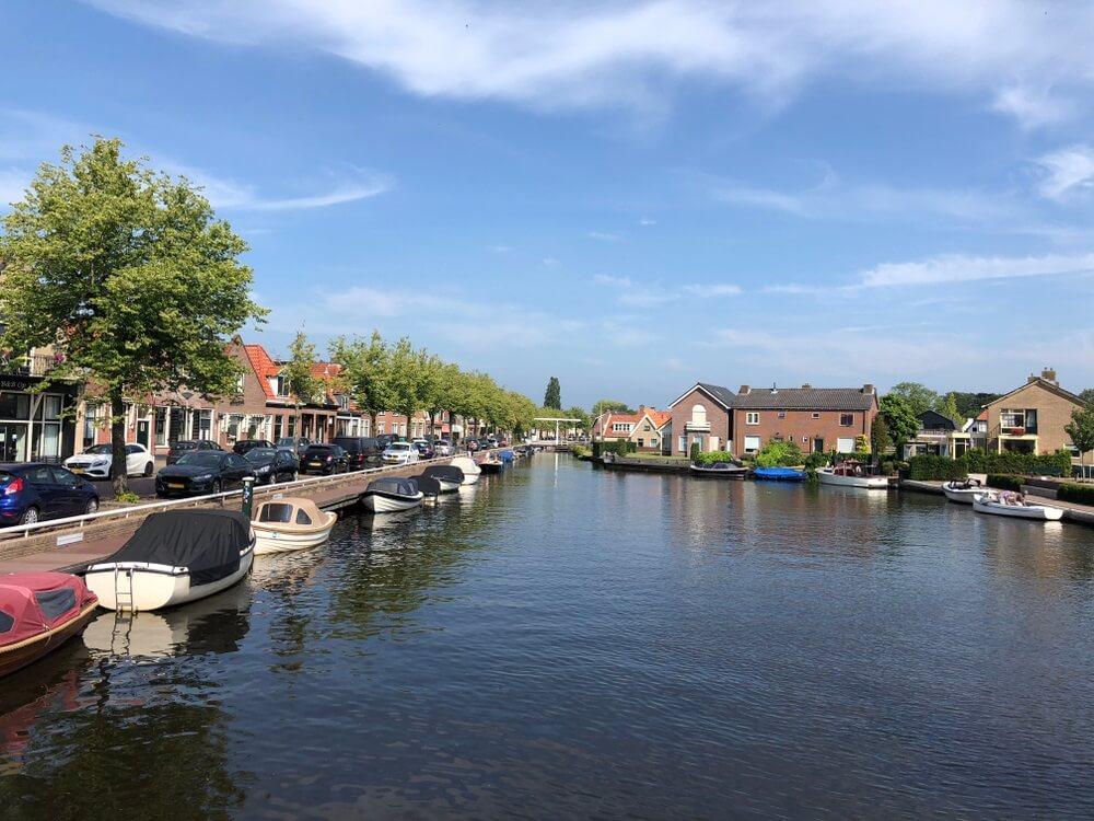 Kanaal in Joure, Friesland Nederland.