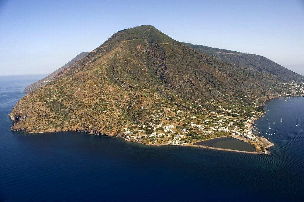 Salina van bovenaf, Eolie Island, Messina, Sicilië, Italië, Europa.